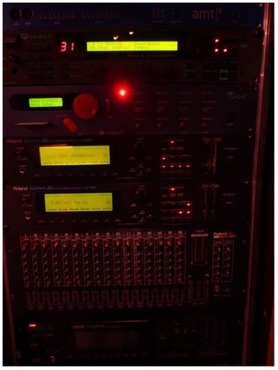 [object object] Hear it regieraum a 9 400x533